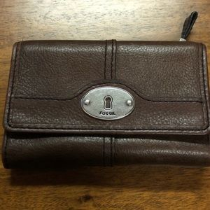 NEW!! Fossil wallet in dark brown